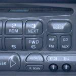 Del 9 Fixa och lås upp Delco-radio